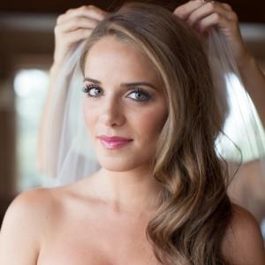 sleek-long-hair-with-waves-bride